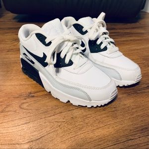 Nike Air Max 90 Youth Size 6 (Women's Size 8)